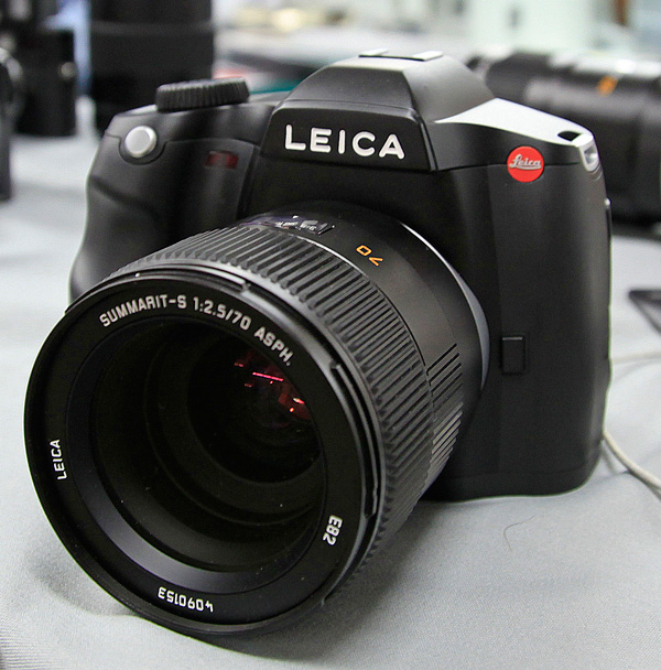 98094-leicabig1