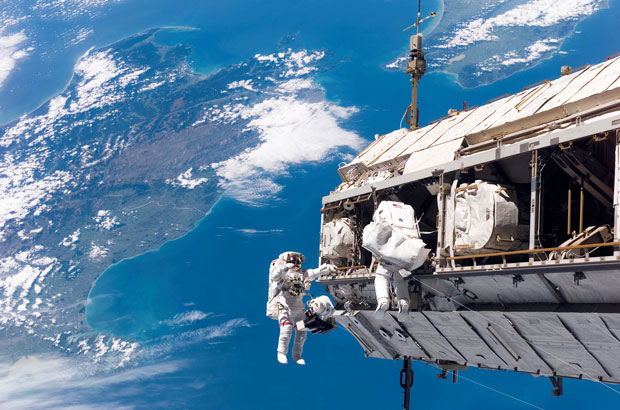 iss-space-walk