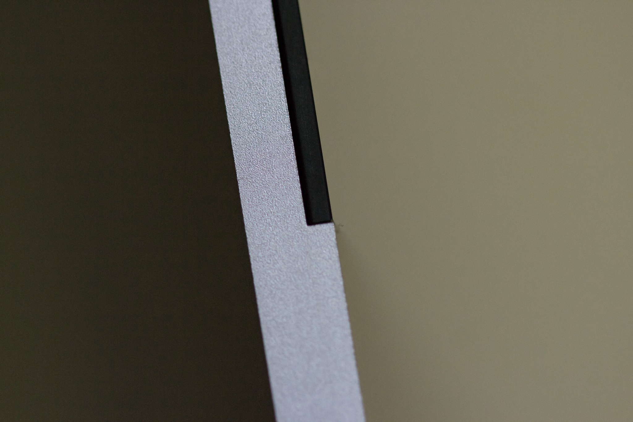 2012 iMac edge close-up