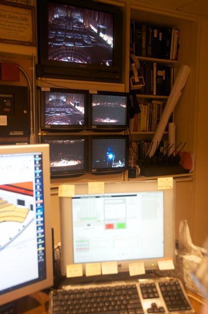 mac and monitors
