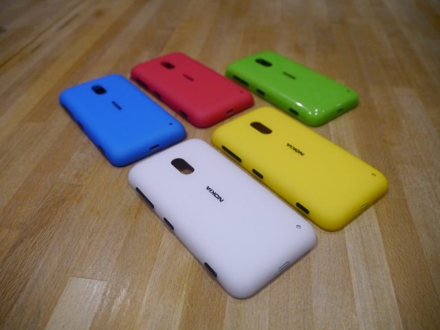 nokia-lumia-620-shells