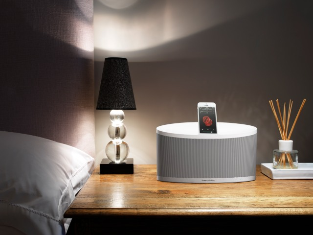 Bowers_Wilkins_Z2_White_iPhone5_bedside_table