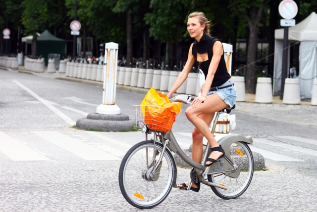 Paris beat us to the bike share, and the models knew it.