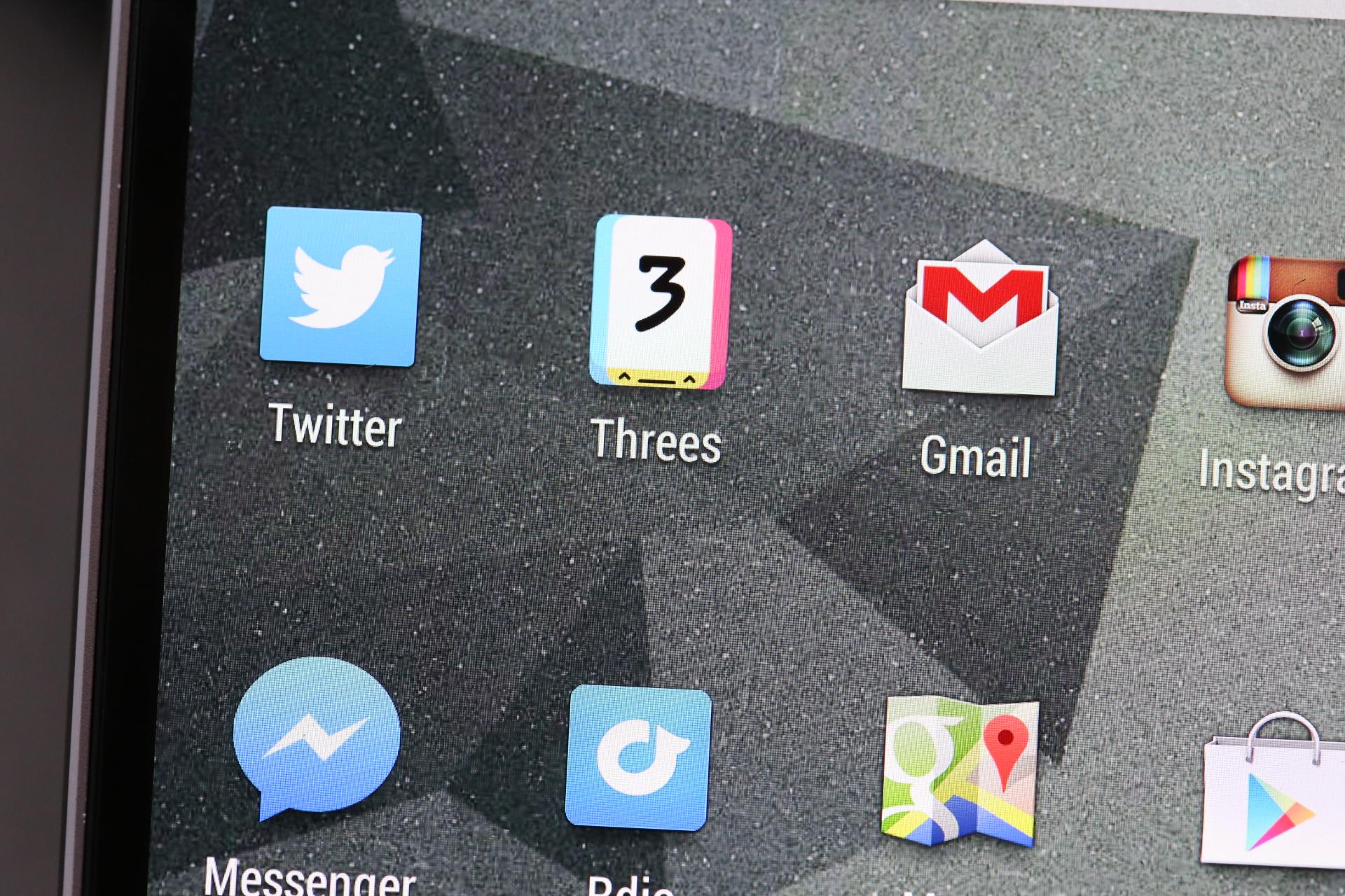 HTC-One-M8-Display