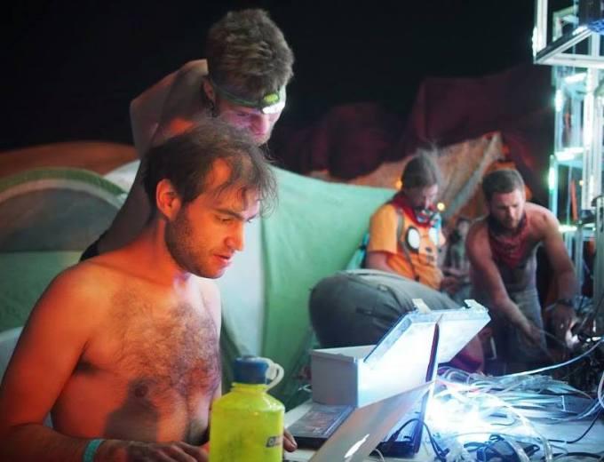 Hackers Hacking
