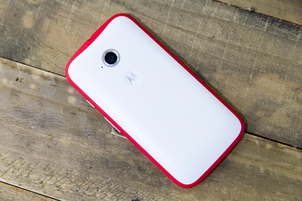 moto-e-white-red