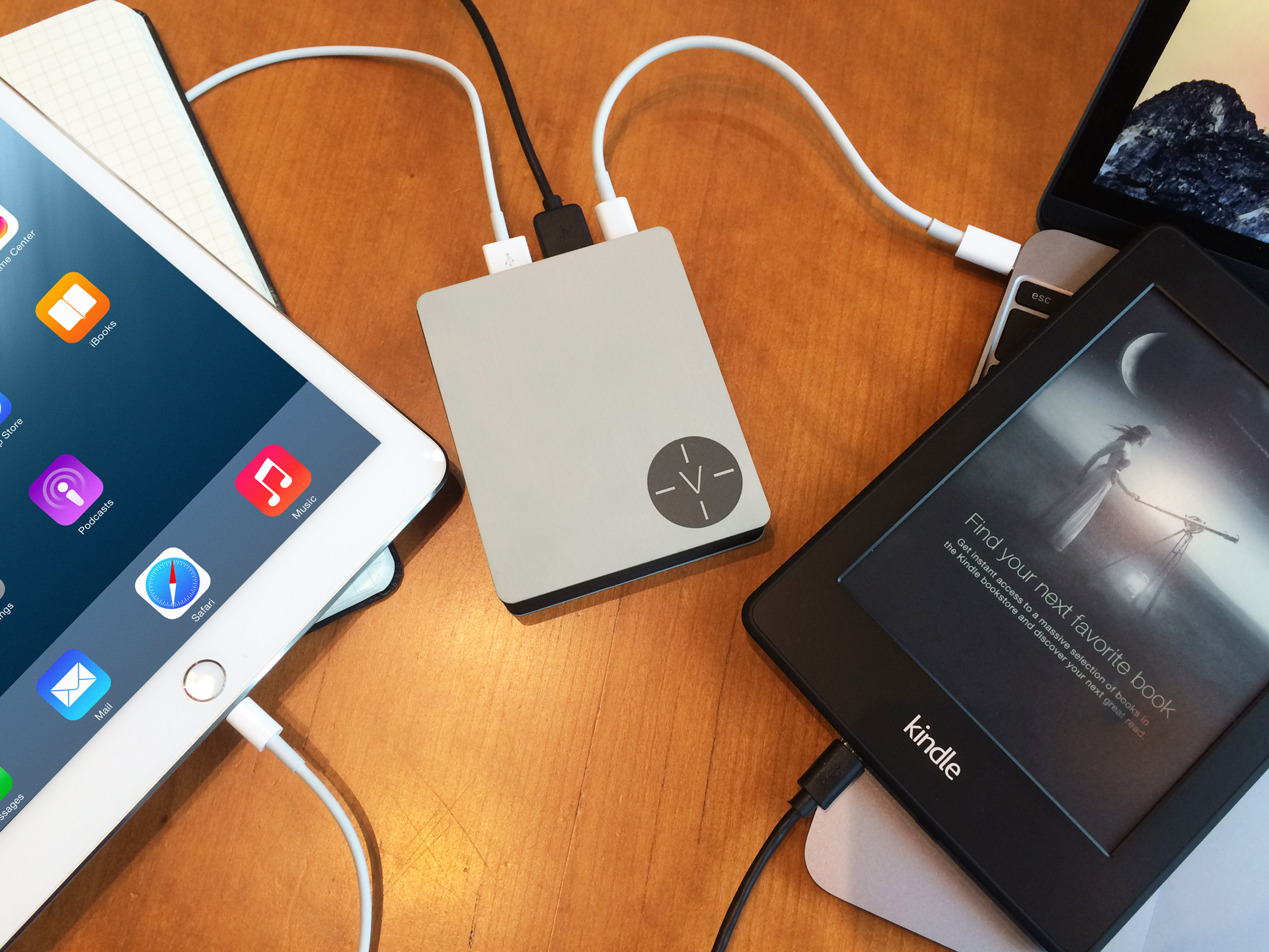 Charging-macbook-ipad-kindle