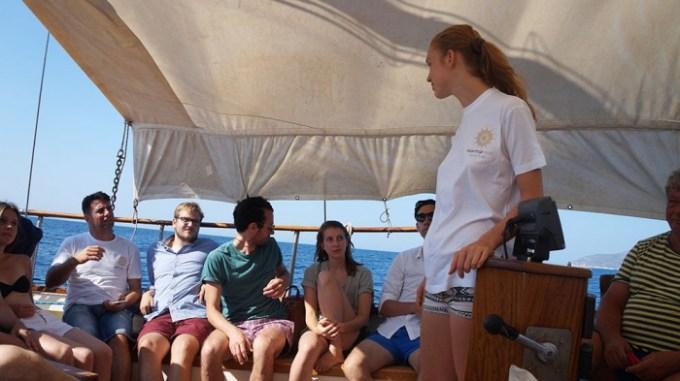 start-up-boat-brainstorming_paula-700x393