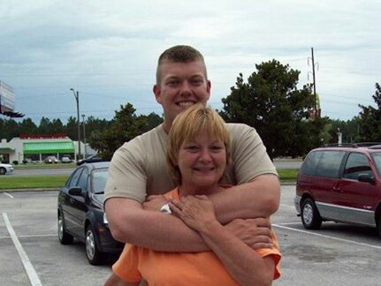Steve Jenks with his mother of Seymour, Tennessee.