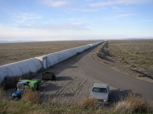 Northern leg (x-arm) of LIGO interferometer on Hanford Reservation in Washington / Image courtesy of Wikicommons