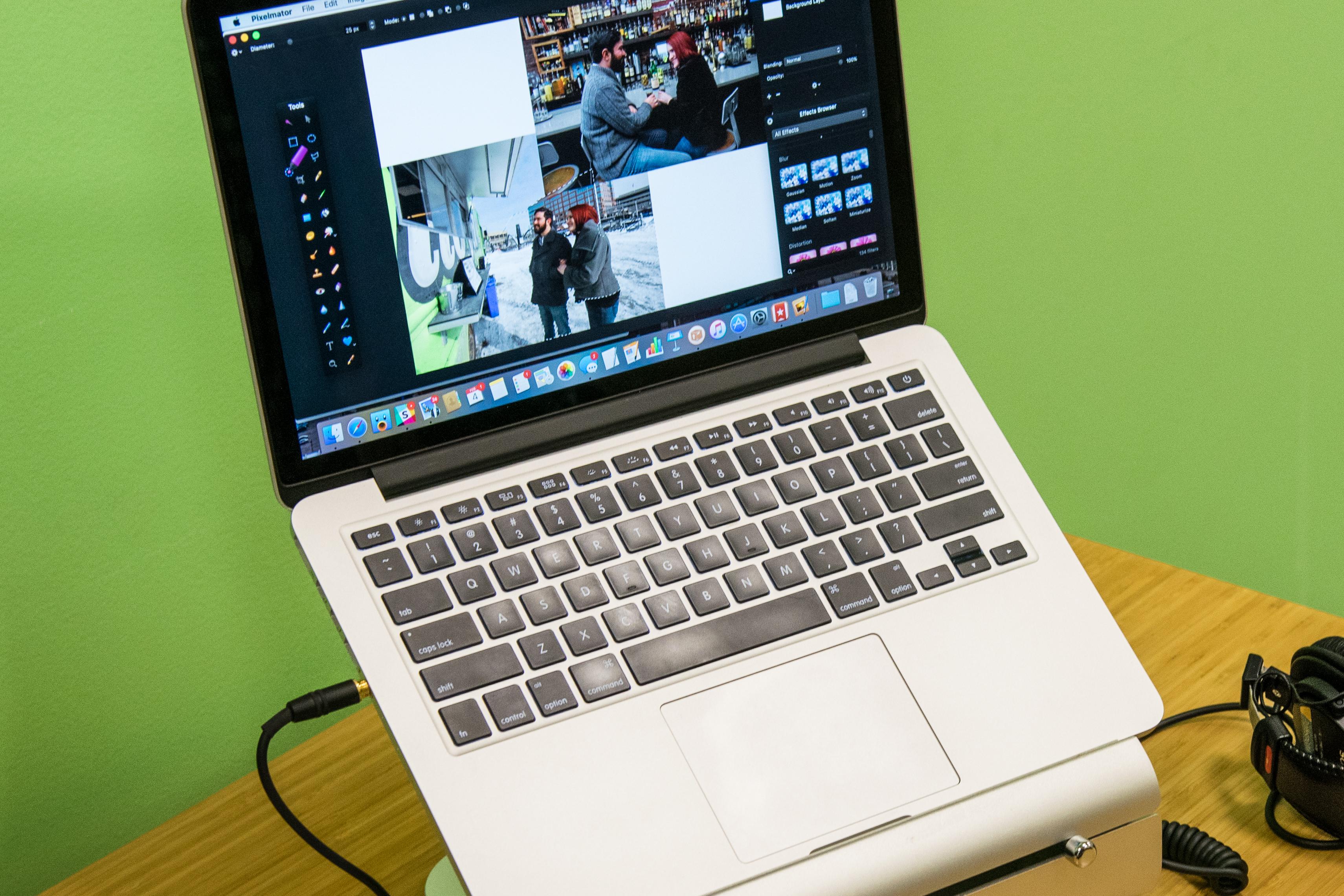 homeoffice-fullres-laptop
