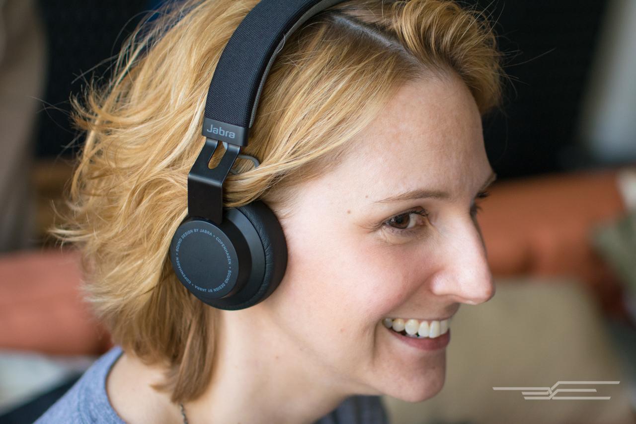 03-bluetooth-headphones-1280