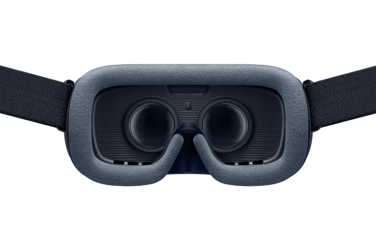 Gear VR_Behind