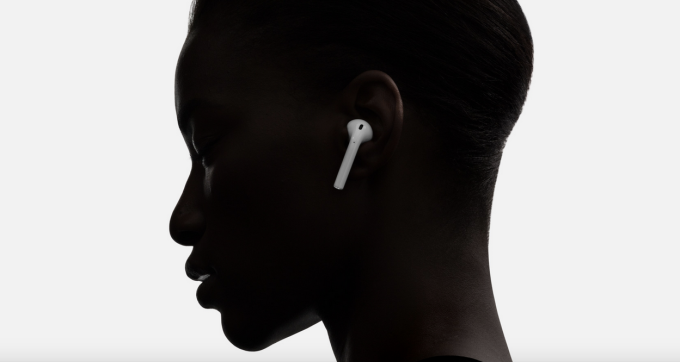 airpods-ear