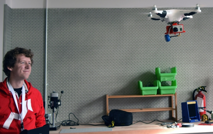 BuzzFeed Open Lab fellow Ben Kreimer flies a newsgathering drone.