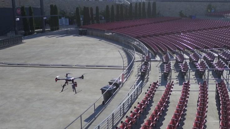 measure_flies_drones_at_outdoor_venue
