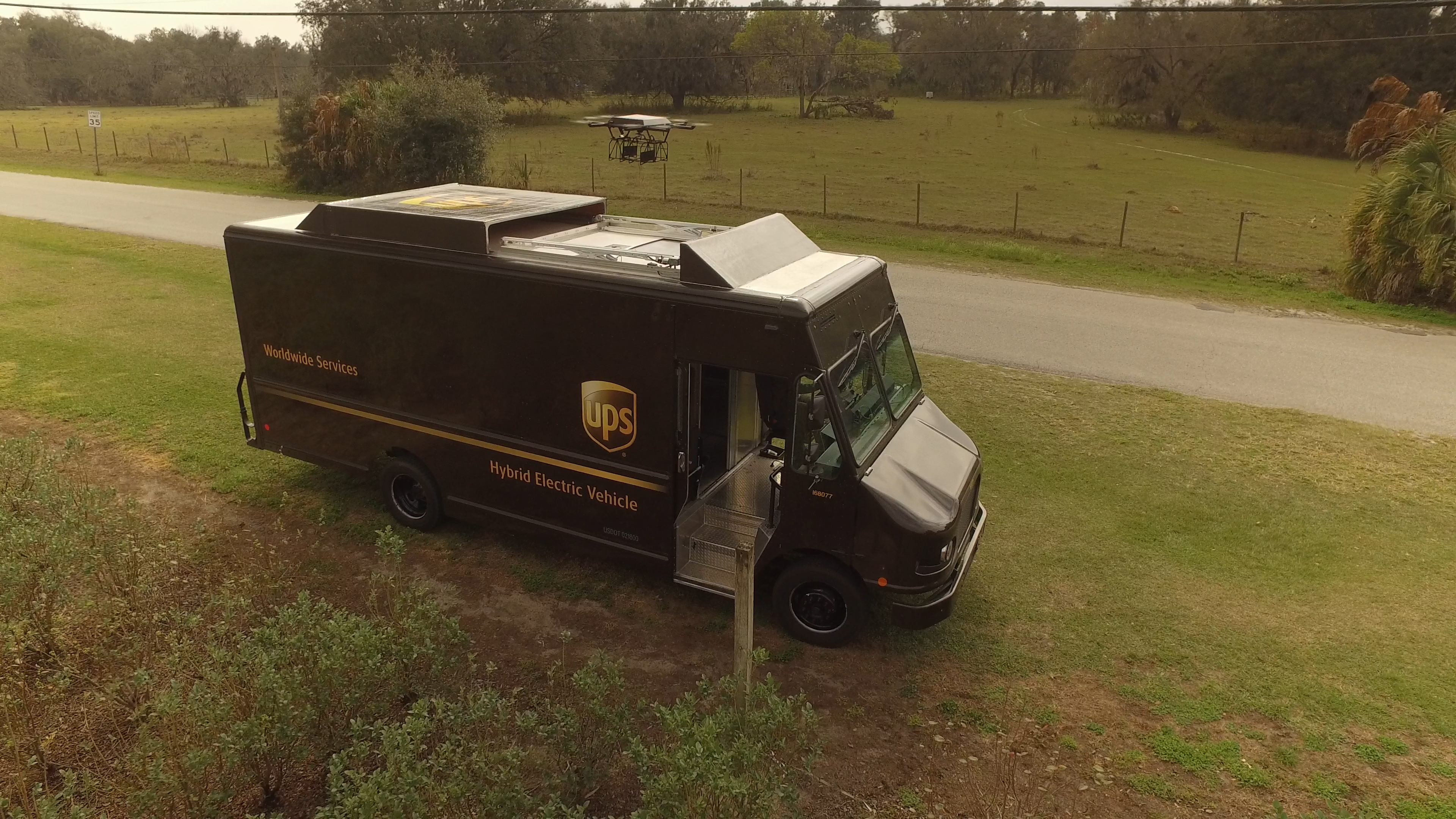 ups-florida-footage-01_09_25_00-still071