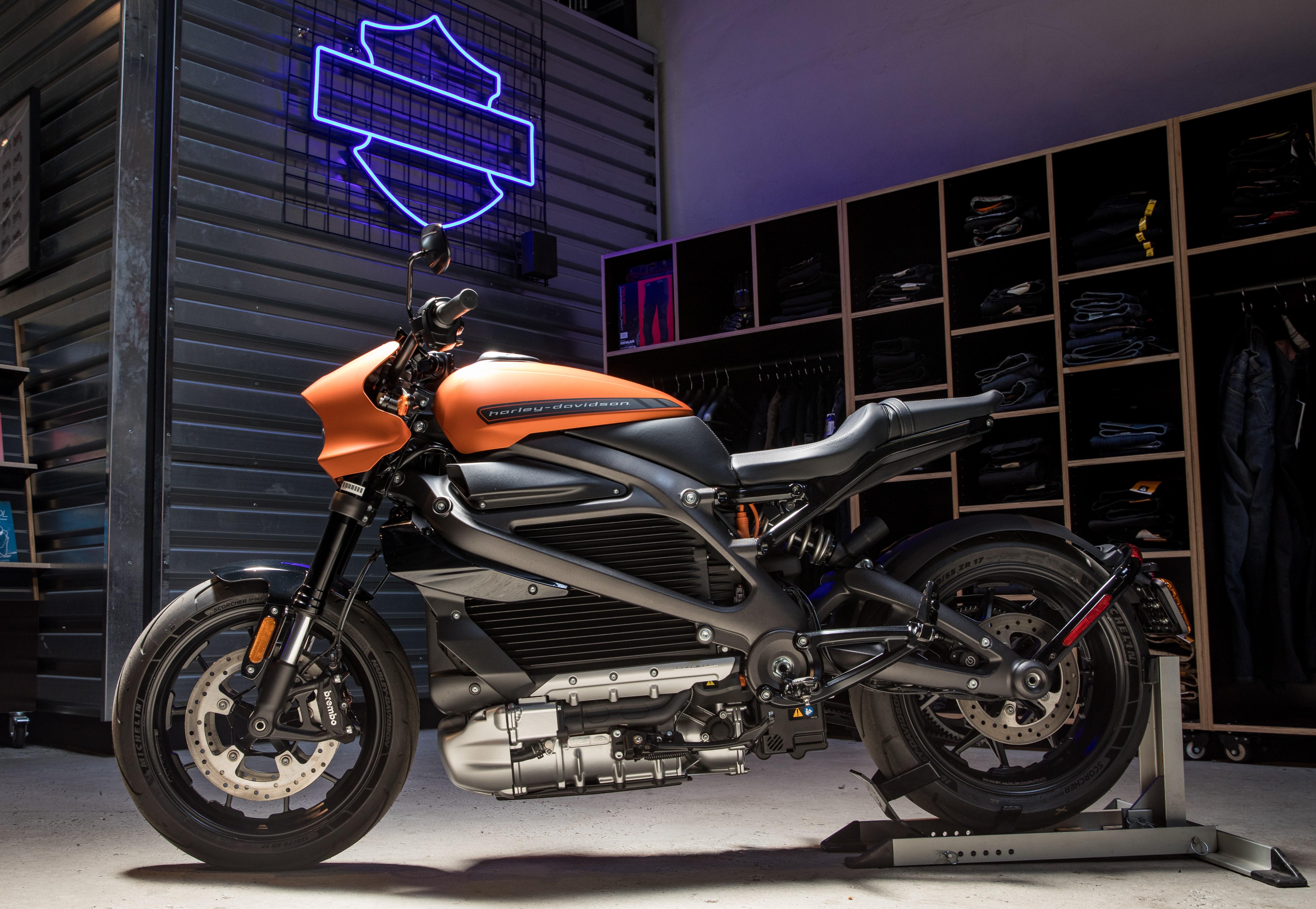Harley Davidson Livewire static 1