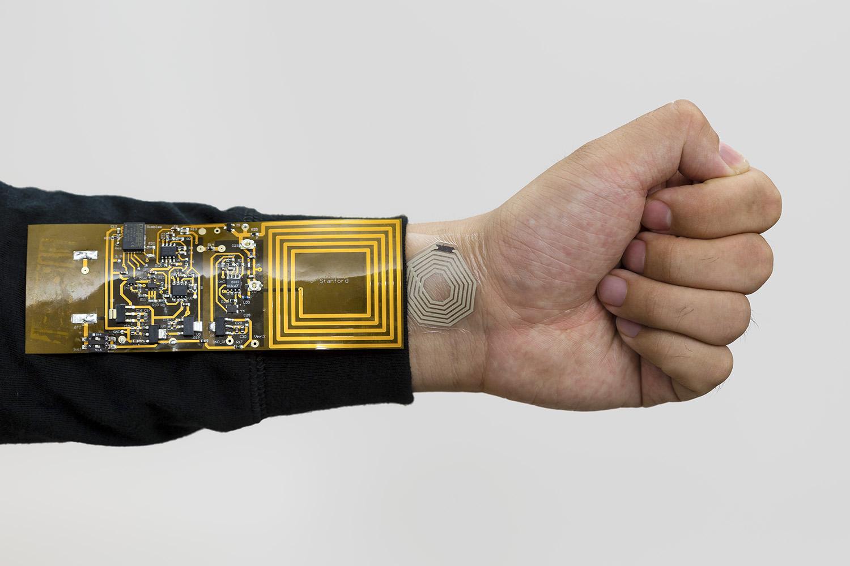 bodynet sticker and receiver