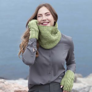 Cowl and gloves knit with Red Heart's Heat Wave yarn